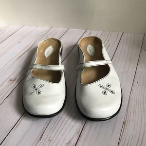 Clark's white leather summer shoes, size 7.5